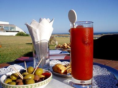 キブロン(Quiberon)の夕暮れの飲むサラダはブラディマリーdownsize