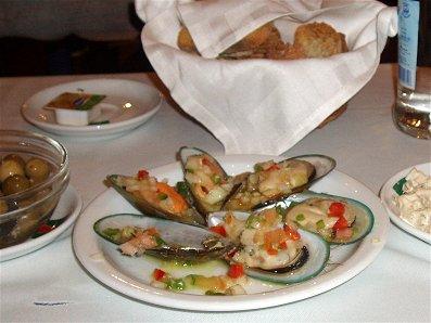リスボン(Lisbon)で味わうムール貝のサラダREVdownsize