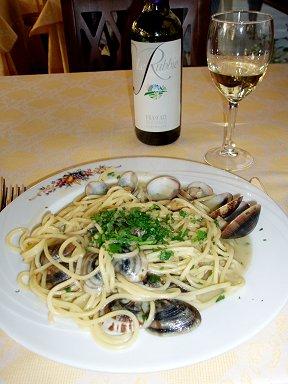 レストランConte di Galluccioで定番ボンゴレビアンコdownsize