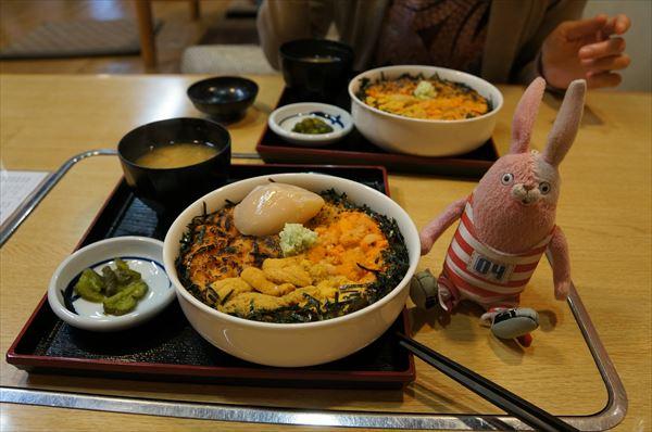 ウニ4色丼