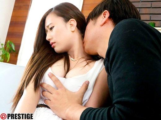 上野莉奈 19歳の美少女AVデビュー画像