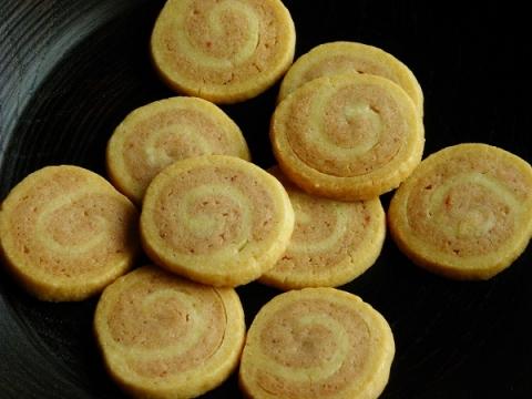 いちごのうずまきクッキー