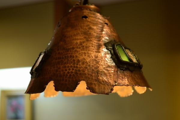 竹やぶ 電灯の傘