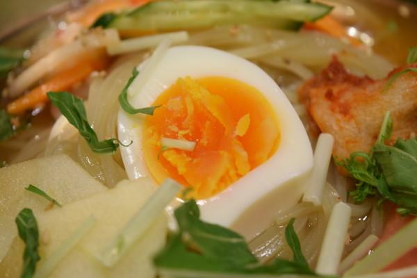 プルコギ 冷麺 卵
