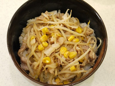 150425もやしバター炒め丼 (3)