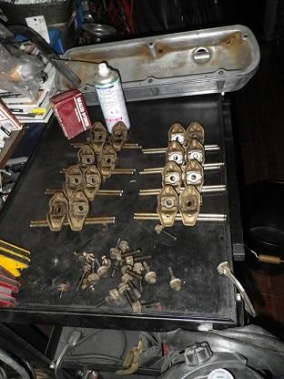 V8エンジンオイル下がり修理 (1)