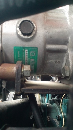 エアコンコンプレッサー交換 (4)