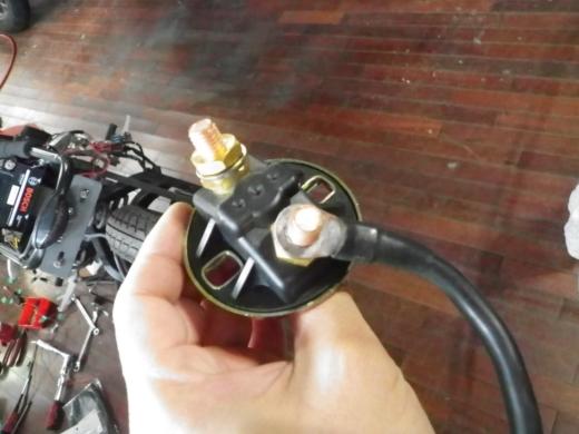 バッテリーカットオフ (4)