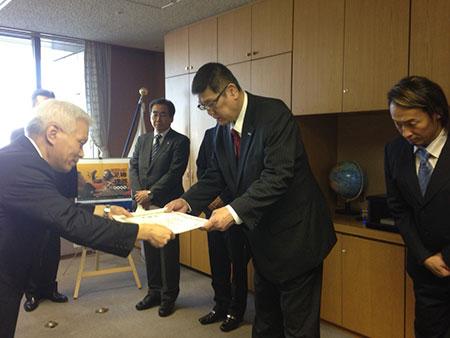 20150321神奈川県警から表彰を受ける田上社長