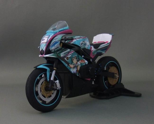 バイクとミク11