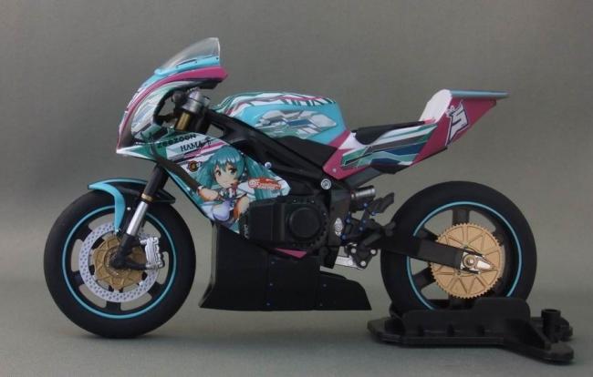 バイクとミク12