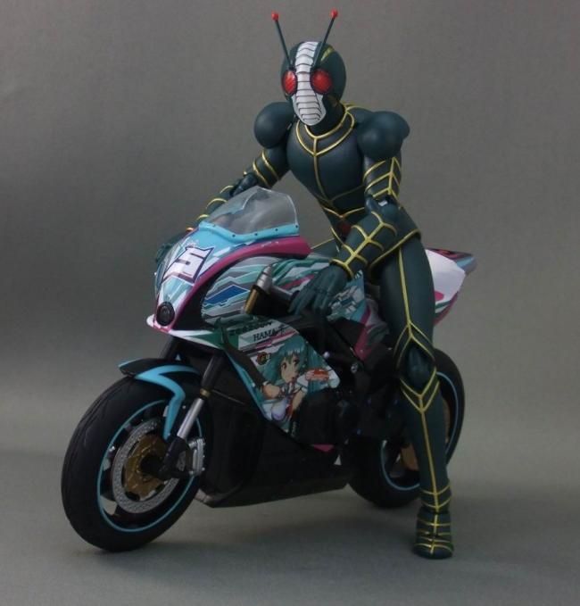 バイクとミク21