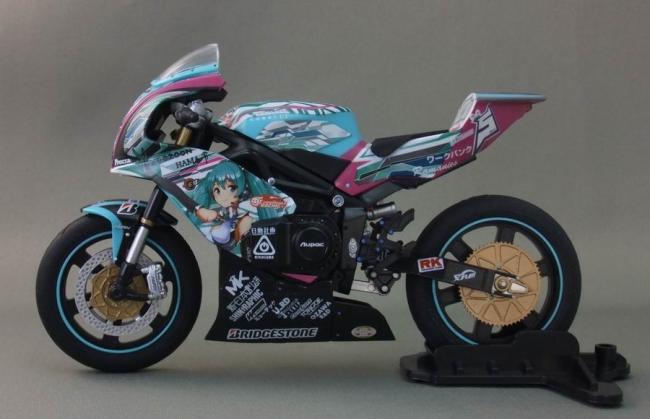 バイクとミク25