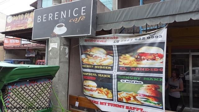 Lapu-Lapu市内のハンバーガーショップ(GAISANOグランドモール周辺)