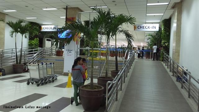 マクタン・セブ空港(国内線でマニラへ)