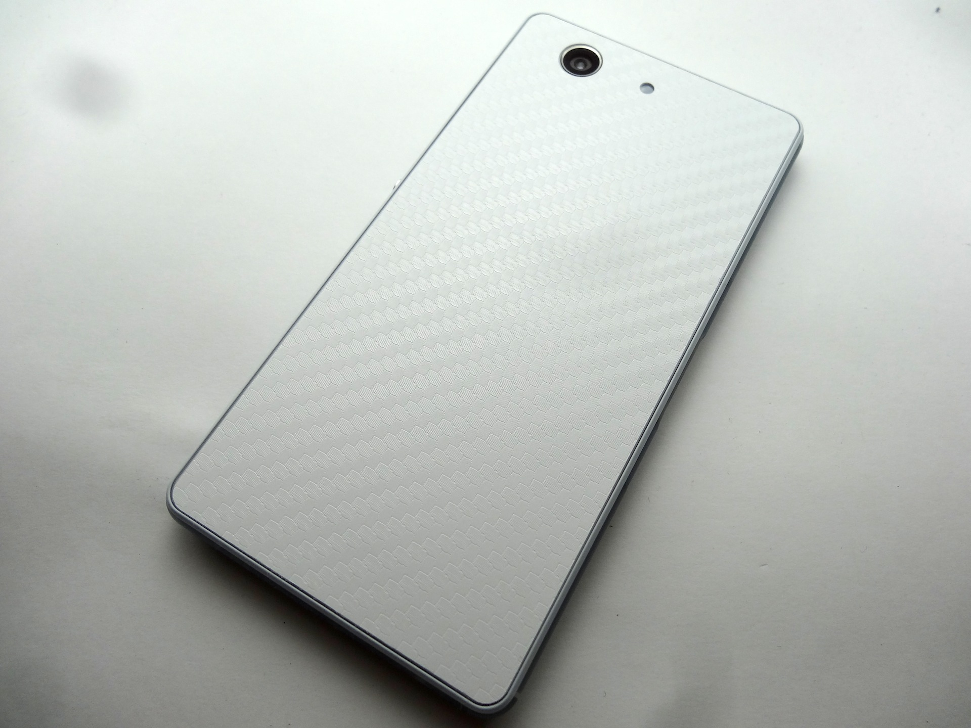 Xperia Z3 Compact SO-02G White 開封の儀 - ちくわ物語(犬)