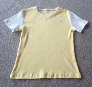 ティシャツー黄色と白