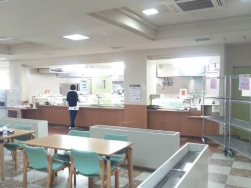 【病院食堂】昼過ぎに検査・診察を終え、嫁と病院食堂でAランチを注文。