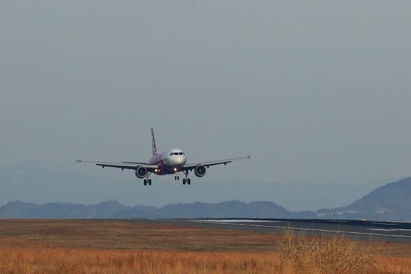 MM A320-214 JA801P RJOM 141227 02