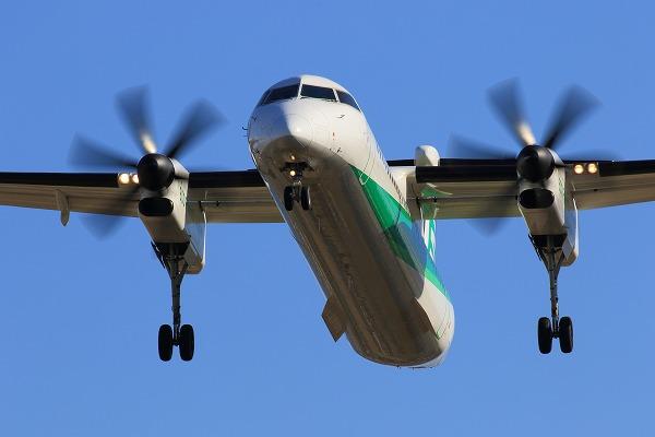 EH DHC-8-402Q JA857A RJOM 150201 012