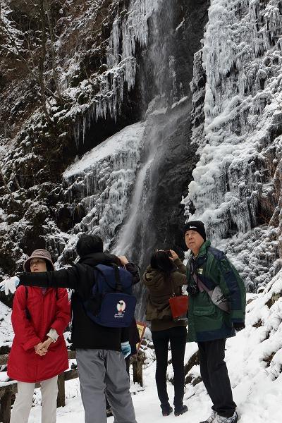 東温市モニターツアー・白猪の滝 150207 02