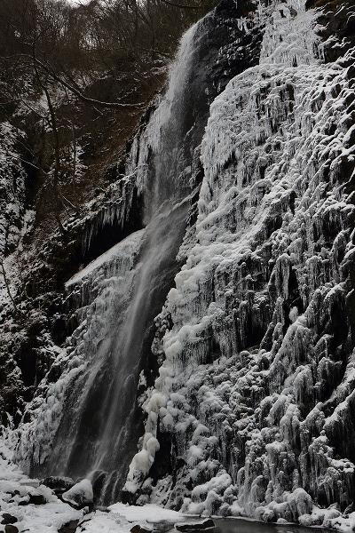 白猪の滝・氷瀑 150207 020