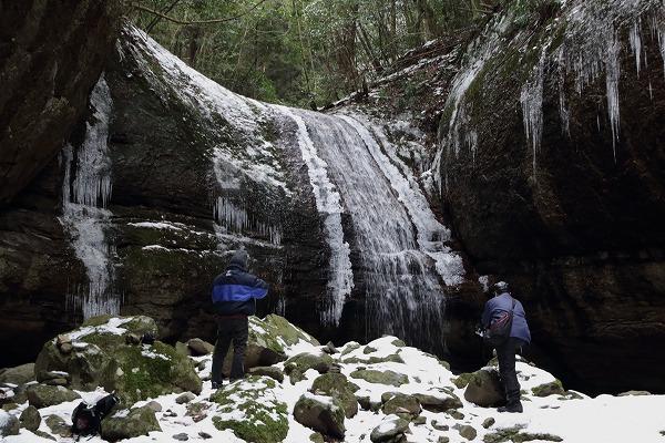 滑川渓谷氷柱・奥の滝 150211 03
