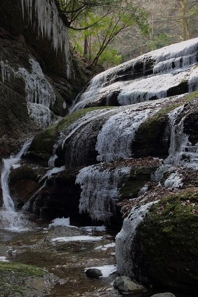 滑川渓谷氷柱・前の滝 150211 02