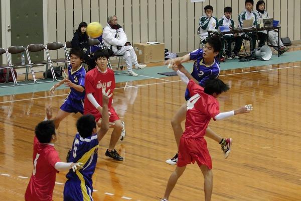 ハンドボール1年生大会・1回戦新西-吉田 150214 02