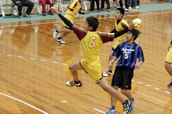 ハンドボール1年生大会・1回戦松南-松北 150214 02