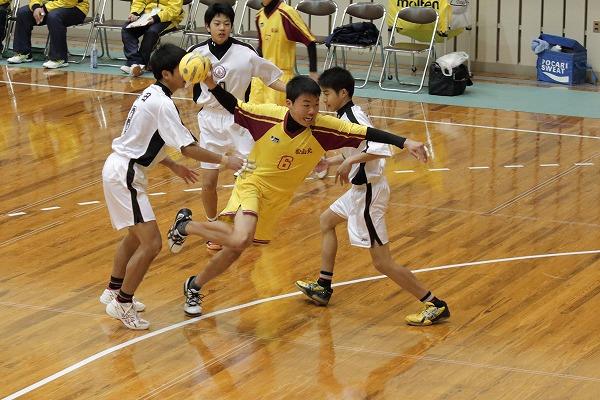 ハンドボール1年生大会・2回戦新田-松北 150214 01