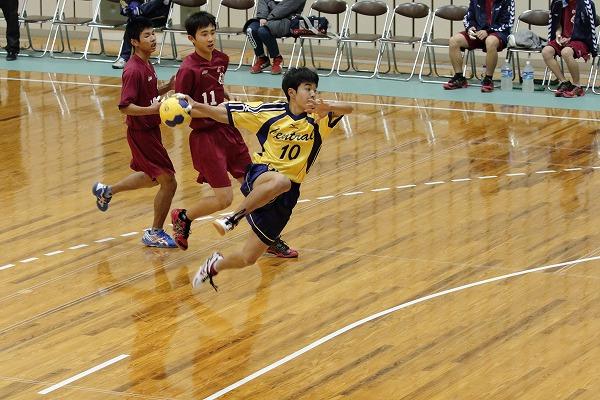 ハンドボール1年生大会・準決勝 松中-新工 150215 01