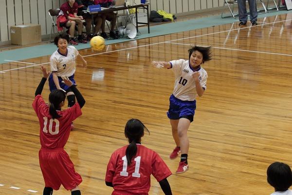 ハンドボール1年生大会・女子準決勝 松北-今西 150215 01