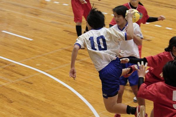 ハンドボール1年生大会・女子準決勝 松北-今西 150215 02