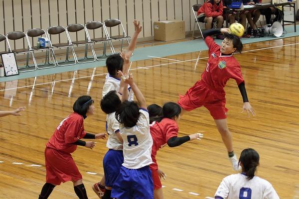 ハンドボール1年生大会・女子準決勝 松北-今西 150215 03