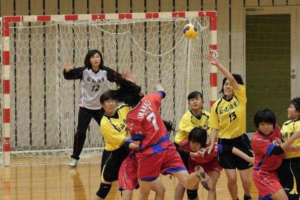 ハンドボール1年生大会・女子準決勝 松商-今南 150215 03