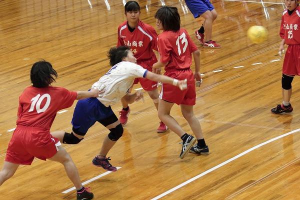 ハンドボール1年生大会・女子決勝 松北-松商 150215 02