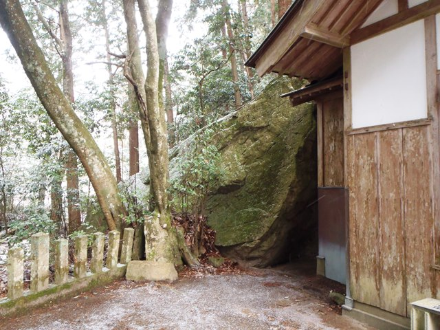 岩神社御神体20150214