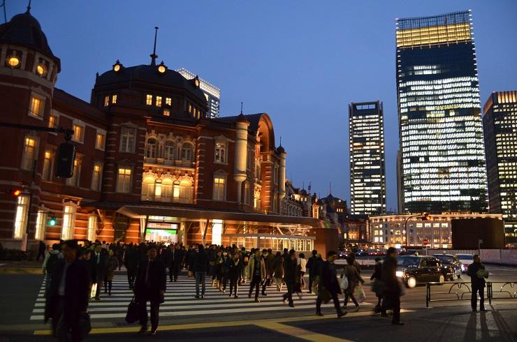 東京駅前 出退勤