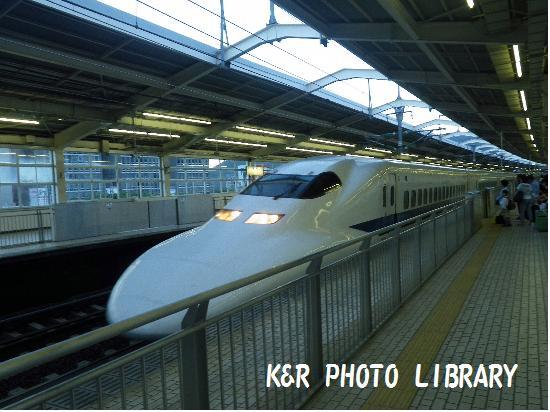 8月17日熱海駅・新幹線