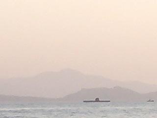 帰港中に潜水艦発見-1