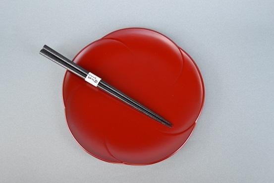 梅皿と本乾漆箸