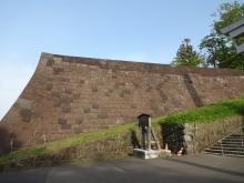 16:26 本丸北壁の石垣