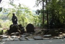 12:35 芭蕉・曽良像