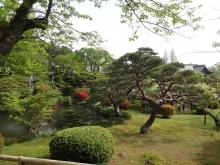 8:04 手入れがされ、とても美しい庭園!!