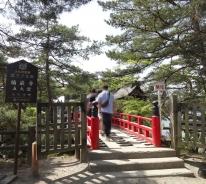 9:53 五大堂への橋