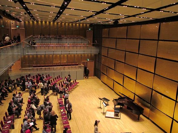 25032015glaesernersaal.jpg