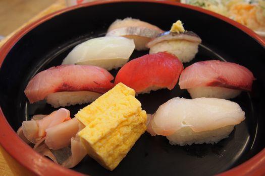 地どれ寿司