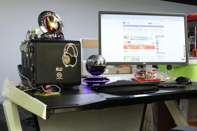 Dxracer_Desk_04.jpg