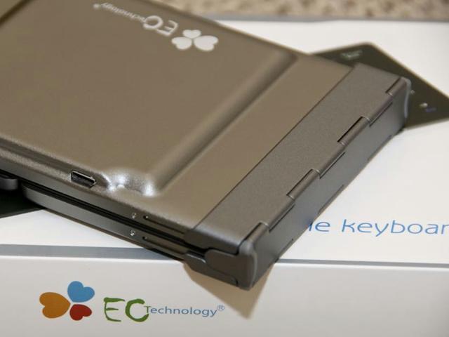 EC_Technology_BluetoothKeyboard_03.jpg